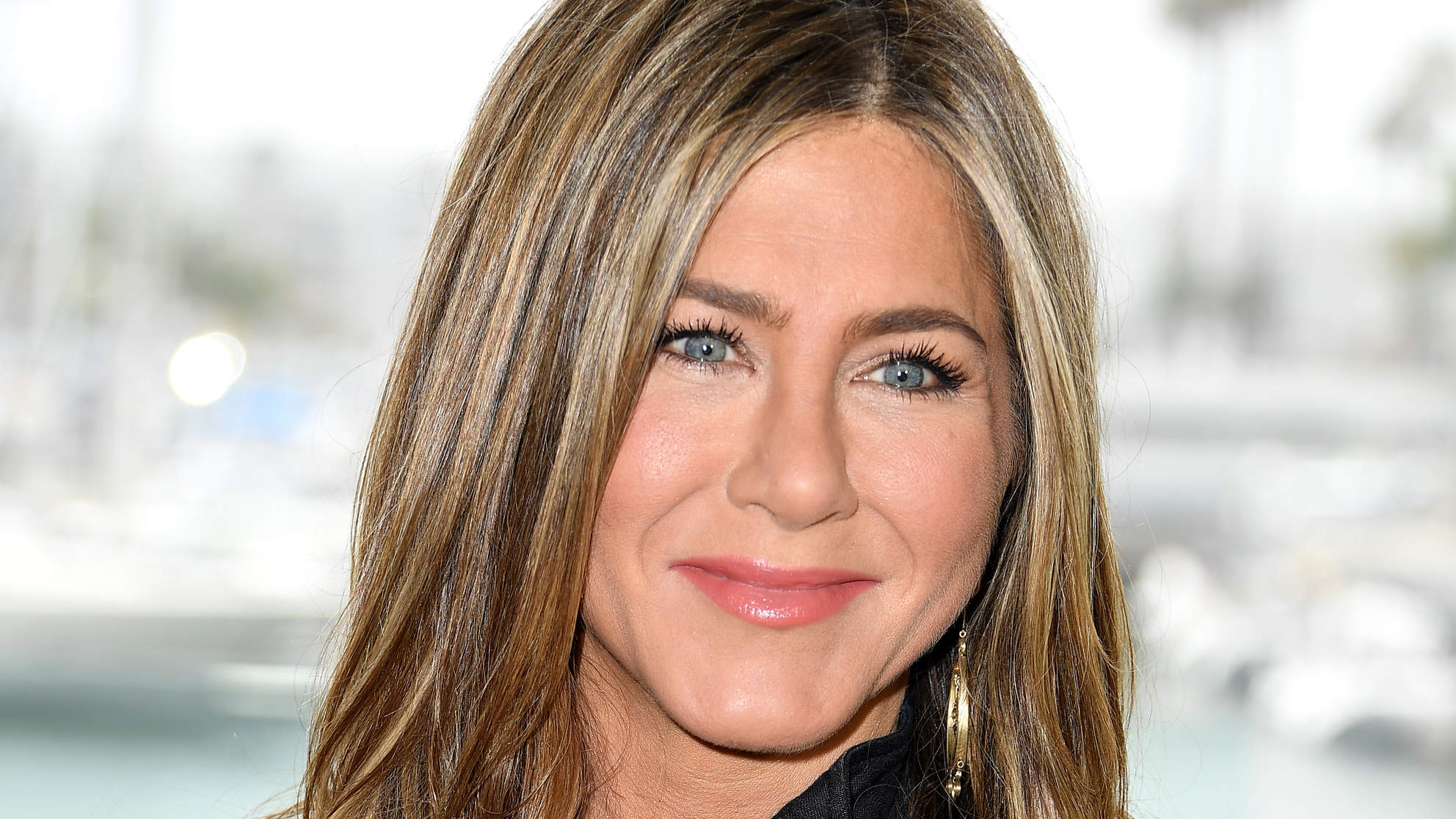 Jennifer Aniston Has Basically Had the Same Skincare Routine Since She Was 15