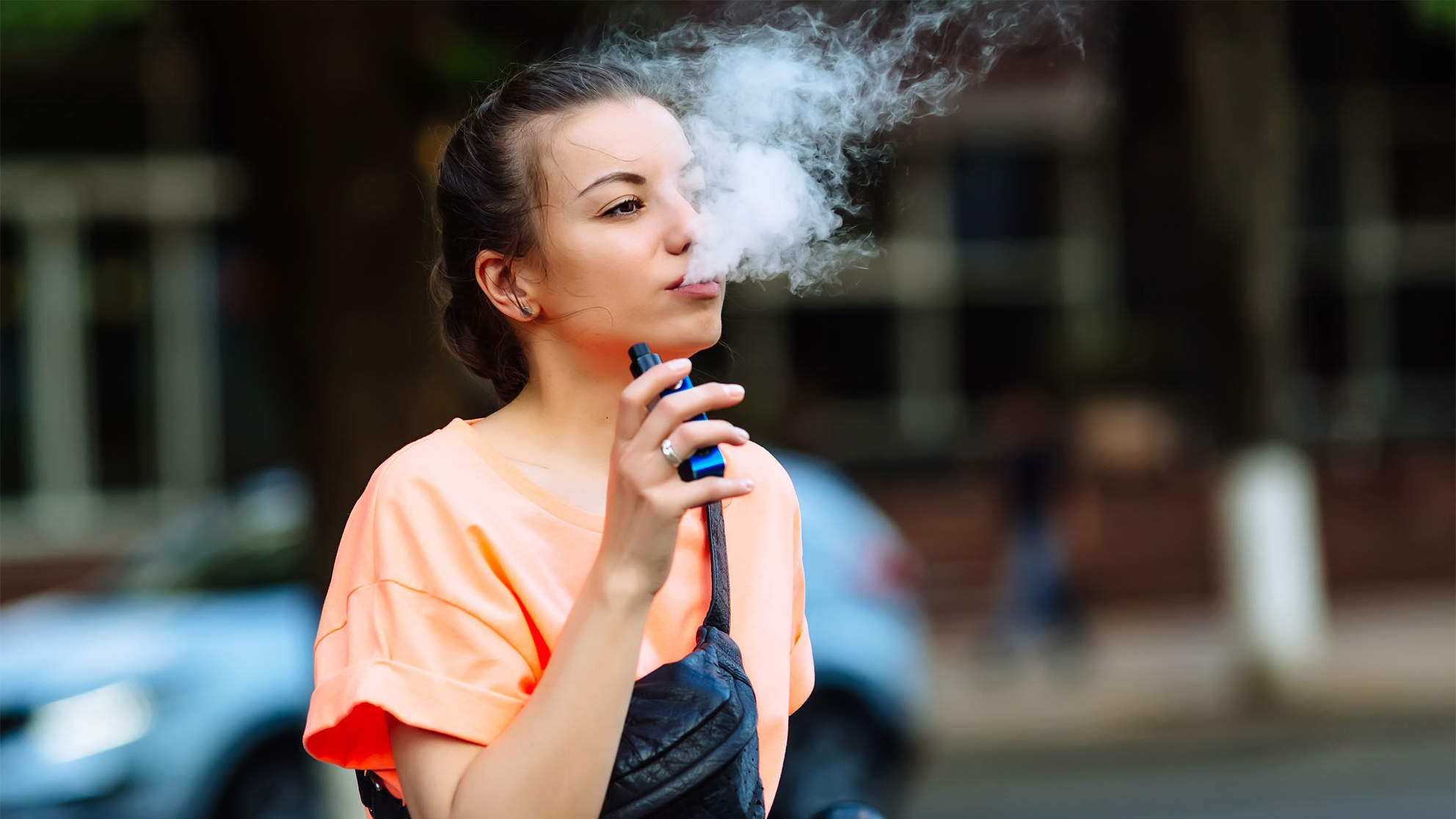Sixth Person Dies of Severe Lung Illness, CDC Says to Stop Vaping as They Investigate 450 Cases