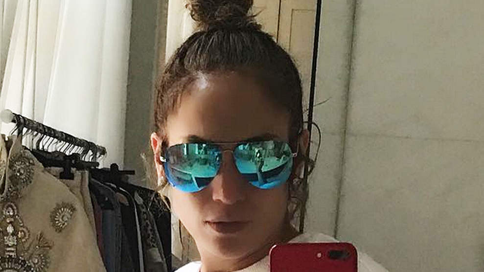 Sexy and She Knows It! Jennifer Lopez Shows Off Her Ripped Abs in Bathroom Selfie
