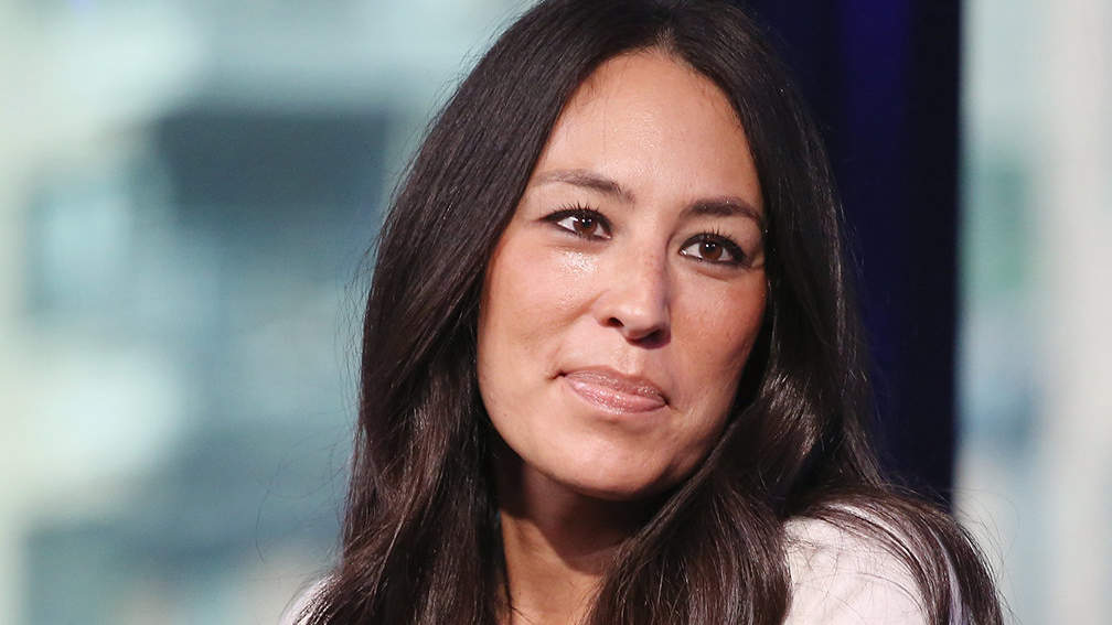 Joanna Gaines' Favorite Shoes Have Almost 1,200 Near-perfect Reviews
