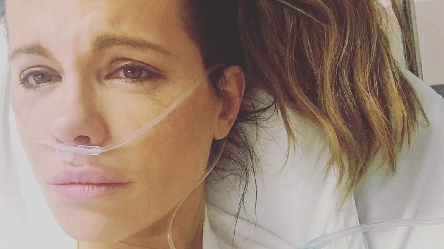 Kate Beckinsale Hospitalized for Ruptured Ovarian Cyst as Stars Show Support