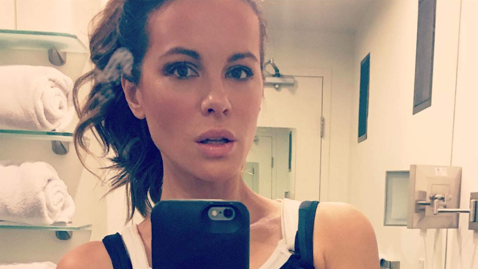 Kate Beckinsale, 45, Shows Off Her Abs in Gym Selfieas She Teases Her Trainer