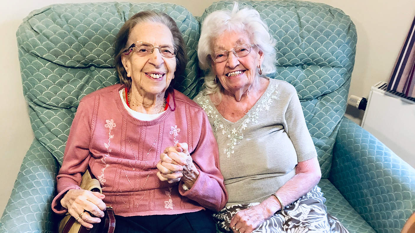 89-Year-Old Women Who Have Been Best Friends Since Age 11 Move to Same Elderly Home Together
