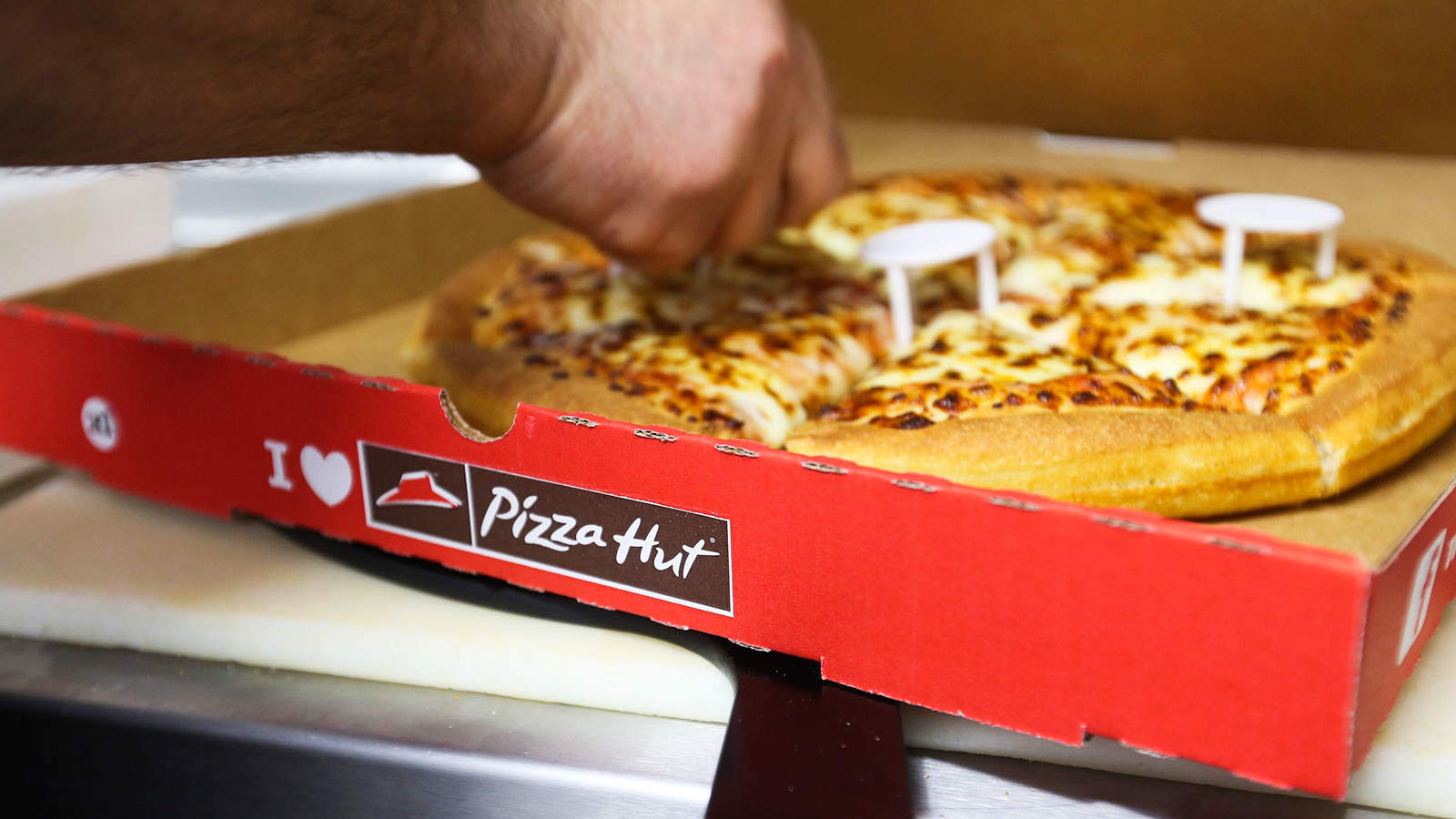 Pizza Hut Puts Vegan Pies on the Menu