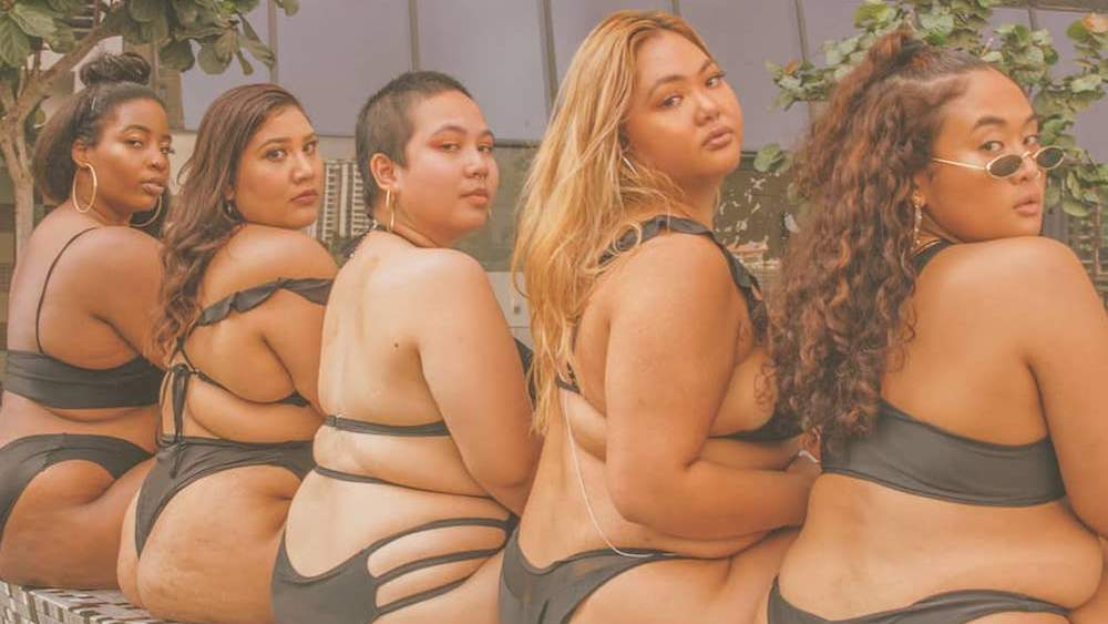 These Photos of Plus-Size Asian Women Smizing Poolside Are EVERYTHING