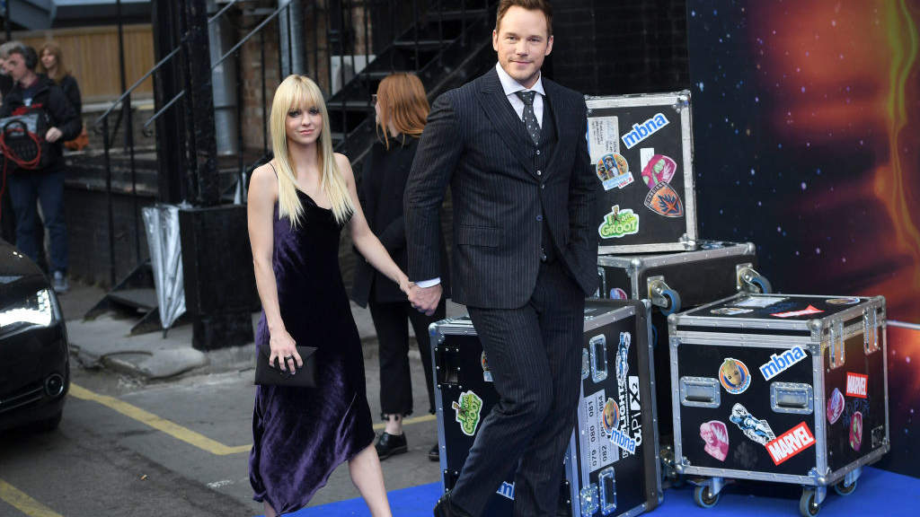 """LONDON, ENGLAND - APRIL 24: Actor Chris Pratt (R) and his wife actress Anna Faris attend the UK screening of """"Guardians of the Galaxy Vol. 2"""" at Eventim Apollo on April 24, 2017 in London, United Kingdom"""
