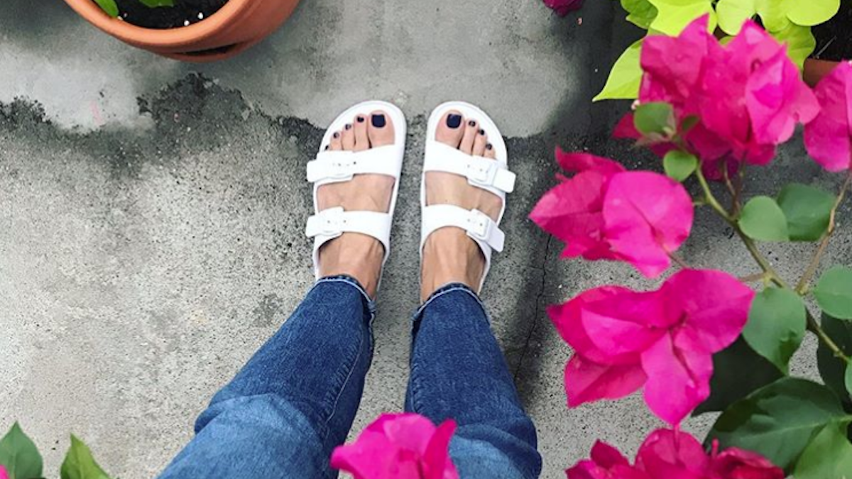 Walmart Shoppers Can't Stop Buying These $11 Sandals