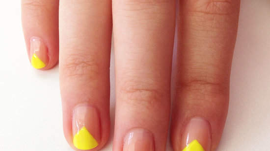 6a17a8049c112344_neon-triangle-nail-art-preview.jpg