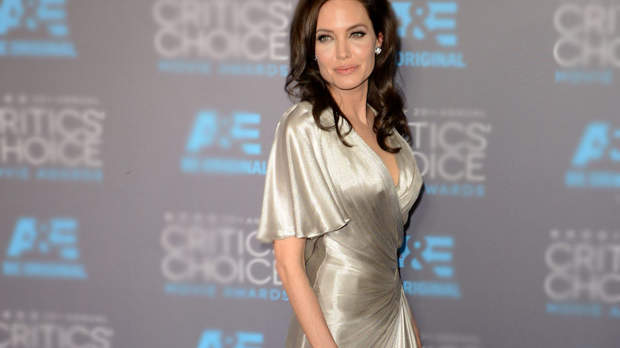 What You Should Know About Angelina Jolie's Cancer-Preventing Surgery