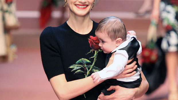 Why Baby-Toting Moms and a Pregnant Model Were the Highlight of This Fashion Show