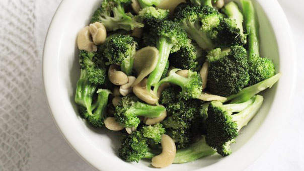 3 Easy Dishes That a Celeb Nutritionist Makes for Dinner