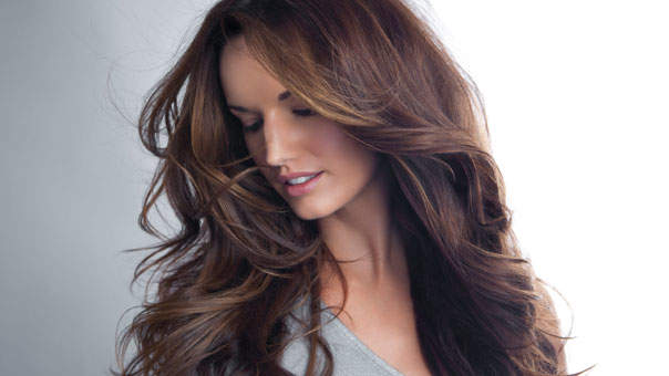 How to Find the Best Cool-Weather Hair Color for You
