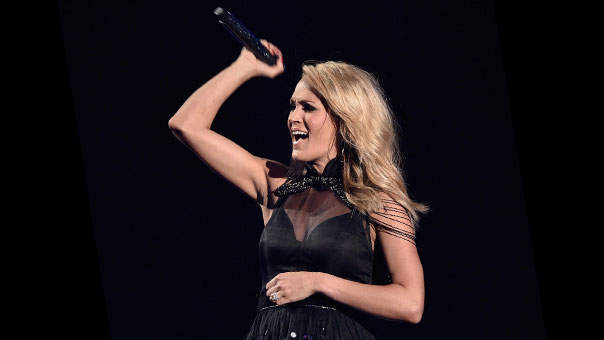 Can't Do a Pull-Up? Try This Sculpting Substitute to Get Toned Arms Like Carrie Underwood