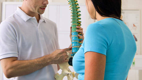 When You Should (And Shouldn't) See a Chiropractor
