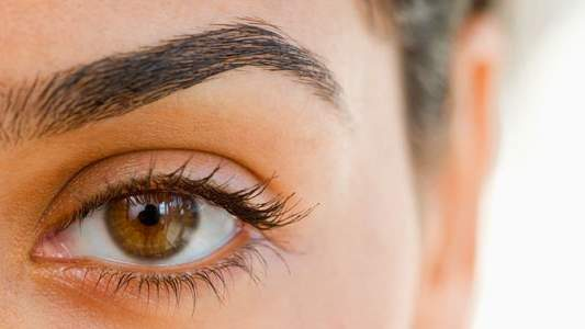 4 Crazy Eyebrow Trends: Bleach, Transplants, and More