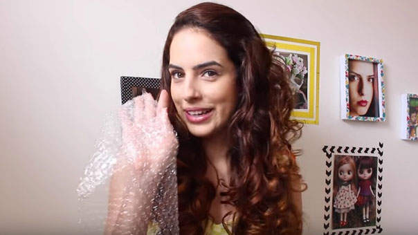 The Secret to Amazing Curls Is Apparently Bubble Wrap