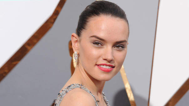 Daisy Ridley's #FitnessFriday Videos Are All the Fitspo You Need for the Weekend
