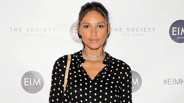 Supermodel Emanuela de Paula's Simple Trick for Looking Like You Actually Got Sleep