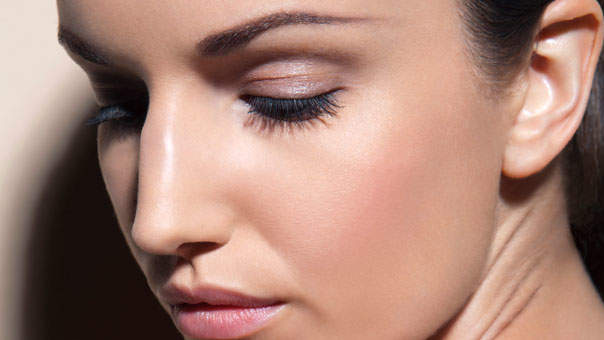 8 Tricks for Thicker, Longer Lashes