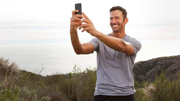 Surprise: Snapping Selfies Linked to Narcissism