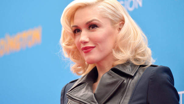 Gwen Stefani Shows Off Her Natural Beauty as She Wears a Rare Minimal Makeup Look