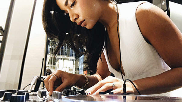 This Is Hannah Bronfman's Ultimate Workout Playlist