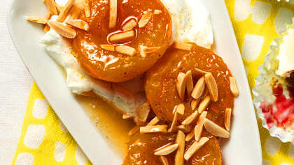 honey-vanilla-poached-apricots-xl.jpg