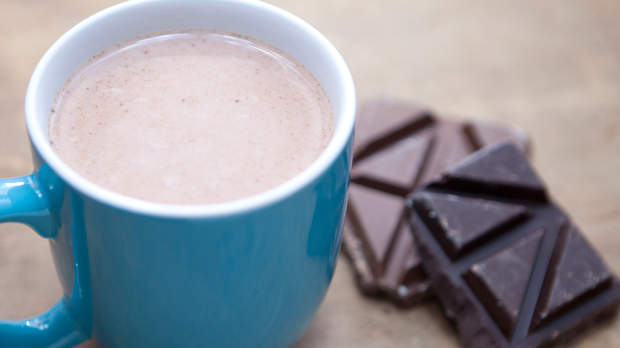 5 Tricks for Healthier Hot Chocolate
