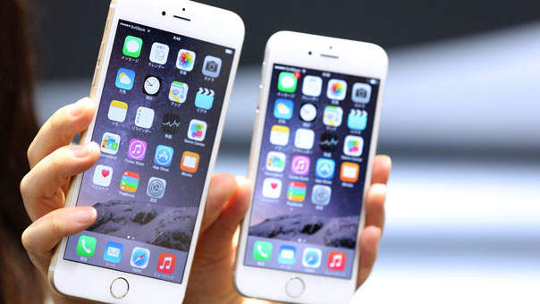 Is the iPhone 6 Plus Too Big for Normal Hands?