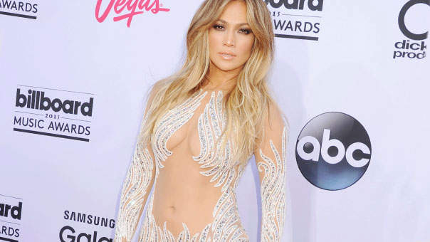 Get J. Lo-Level Abs With These 4 Exercises