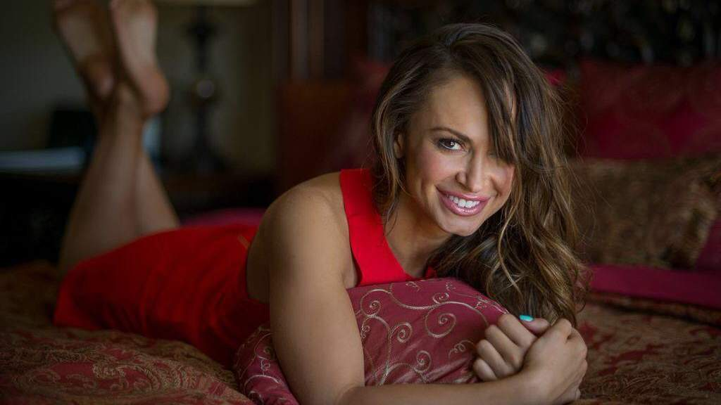 'DWTS' Pro Karina Smirnoff Opens Up About Her Dating Disasters