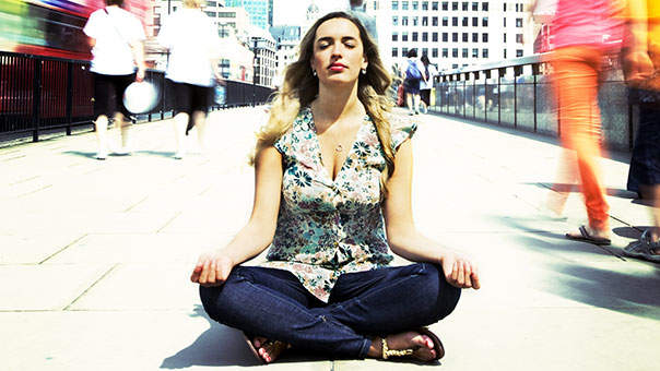 These 3 Apps Help You Meditate On the Go