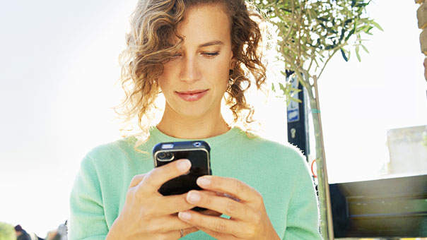 The Surprising Reason Why Women Who Tweet Are Less Stressed