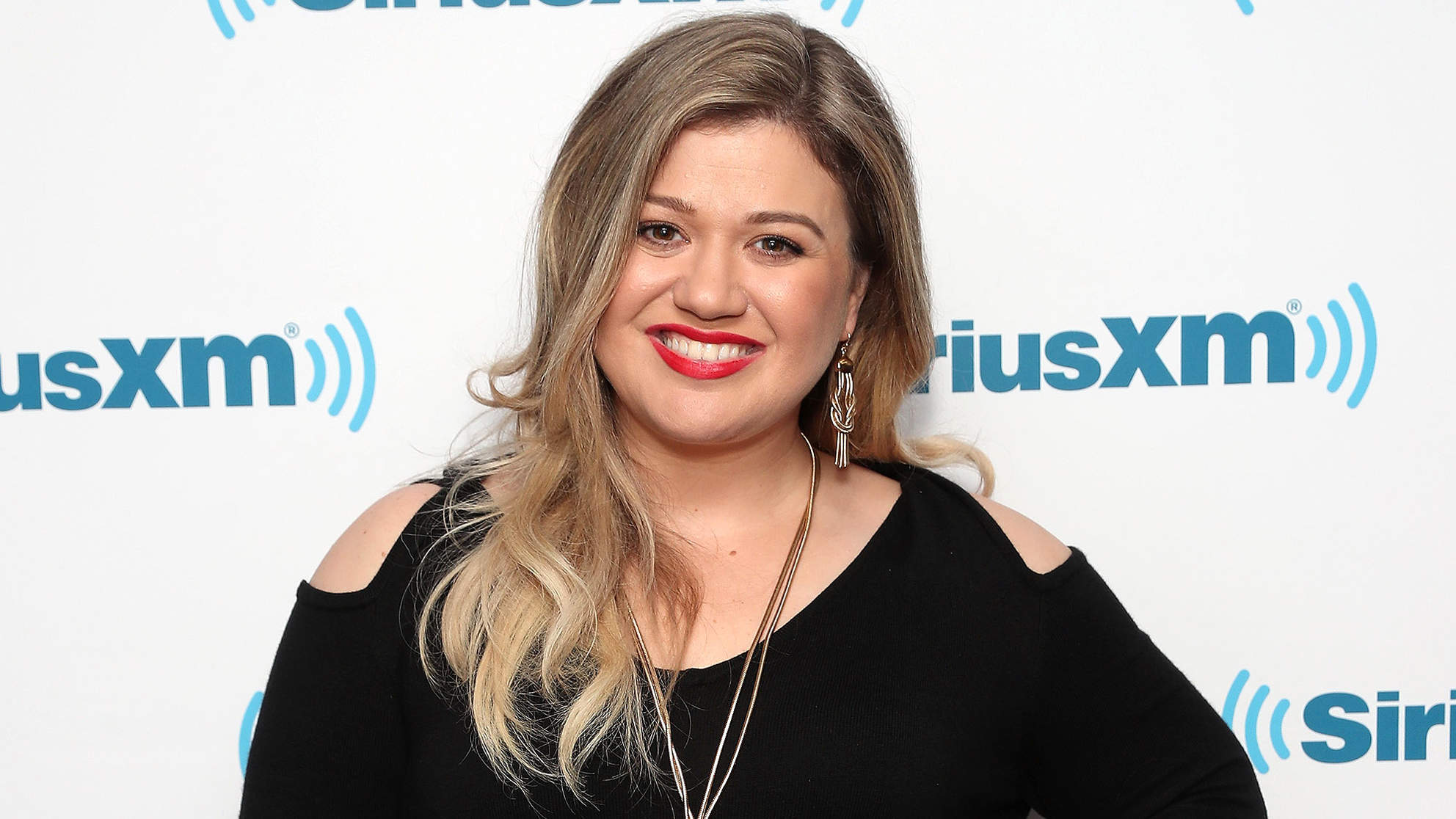 Kelly Clarkson Has Lost 37 Lbs. on New Regimen But Will 'Love Her Body No Matter What Size She Is'