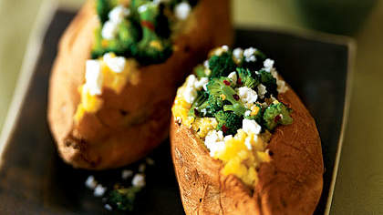 stuffed-sweet-potato-broccoli