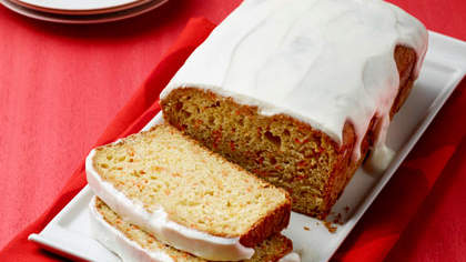 carrot-loaf-cake-yogurt-glaze