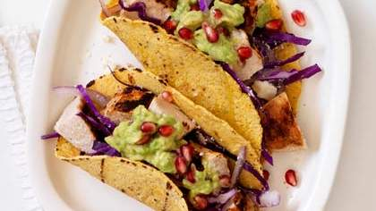chicken-pomegranate-guac-taco