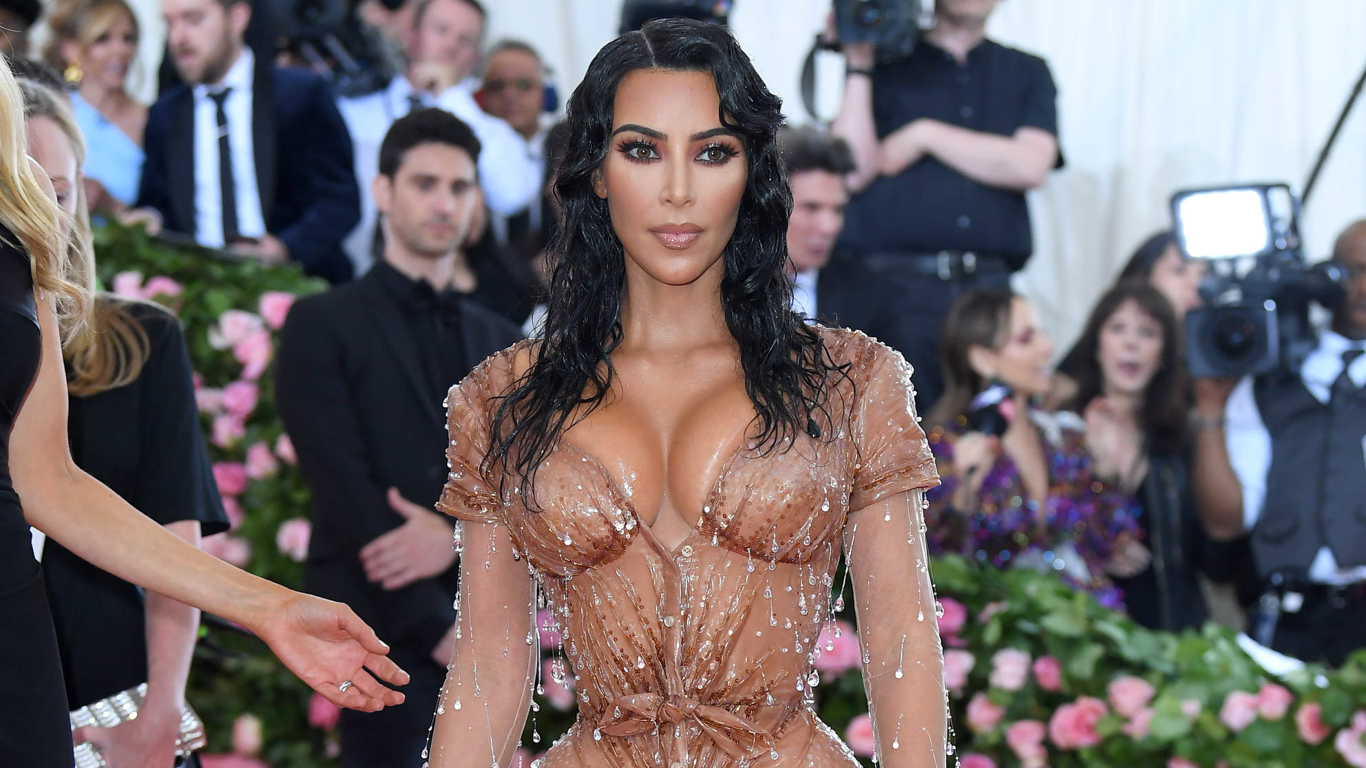 kim-kardashian celebrity woman health met-gala red-carpet fashion style