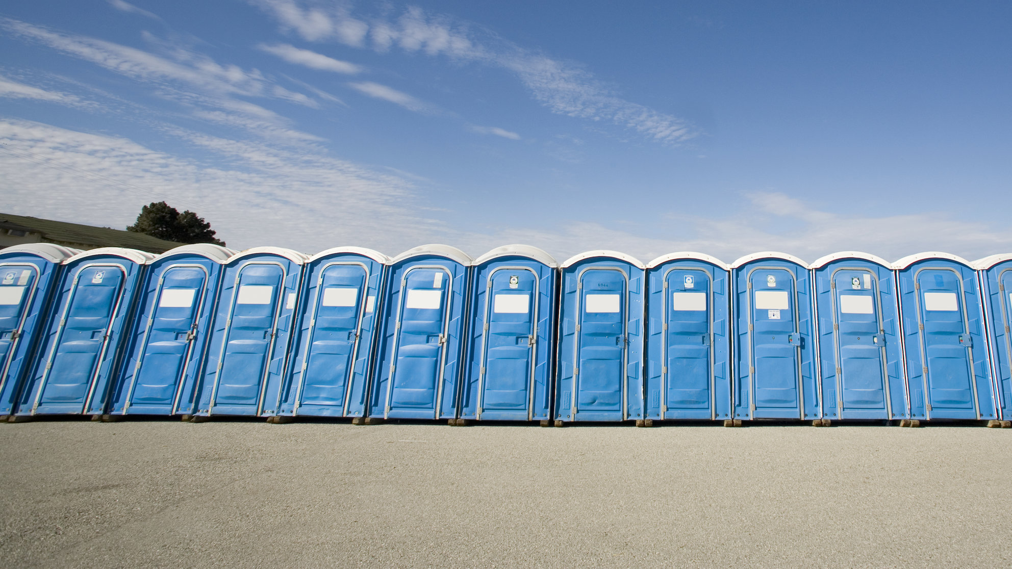 portapotty-run-poop-bathroom