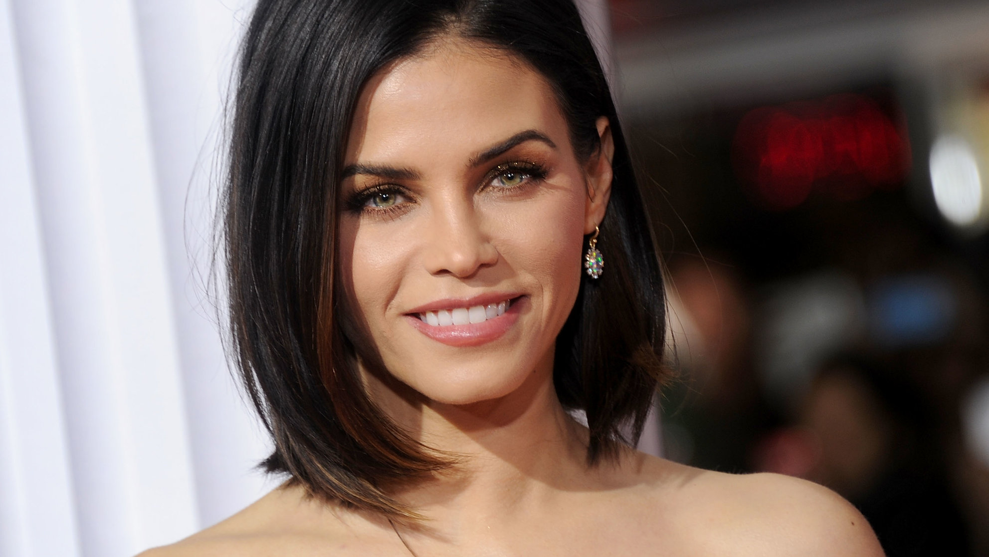 Jenna Dewan Tatum Snapchats a Natural Cough Remedy, But Does It Work?