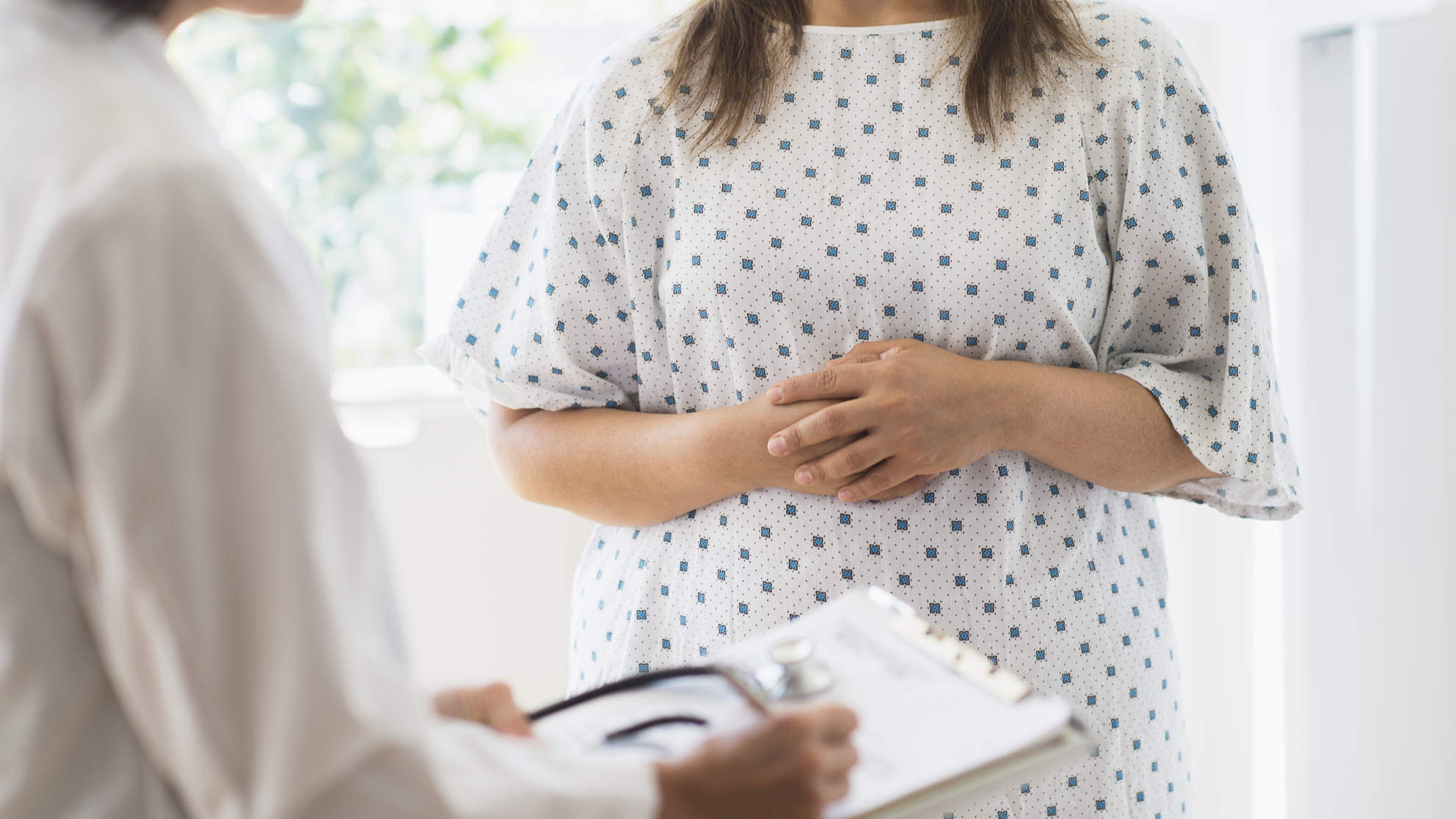 fat-shaming-doctor-patient-exam-weight-scale