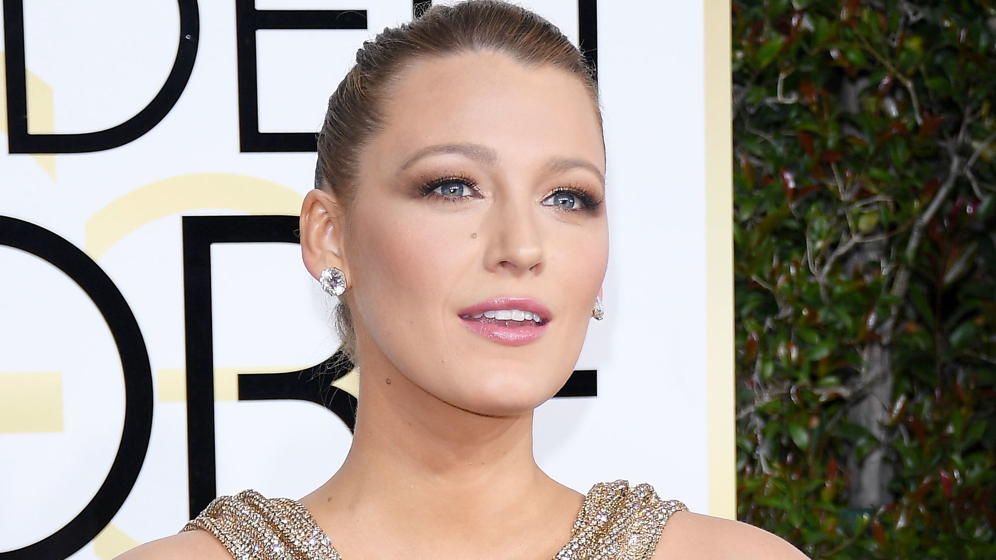 The Under-$10 Drugstore Lip Gloss You'll Find in Blake Lively's Clutch