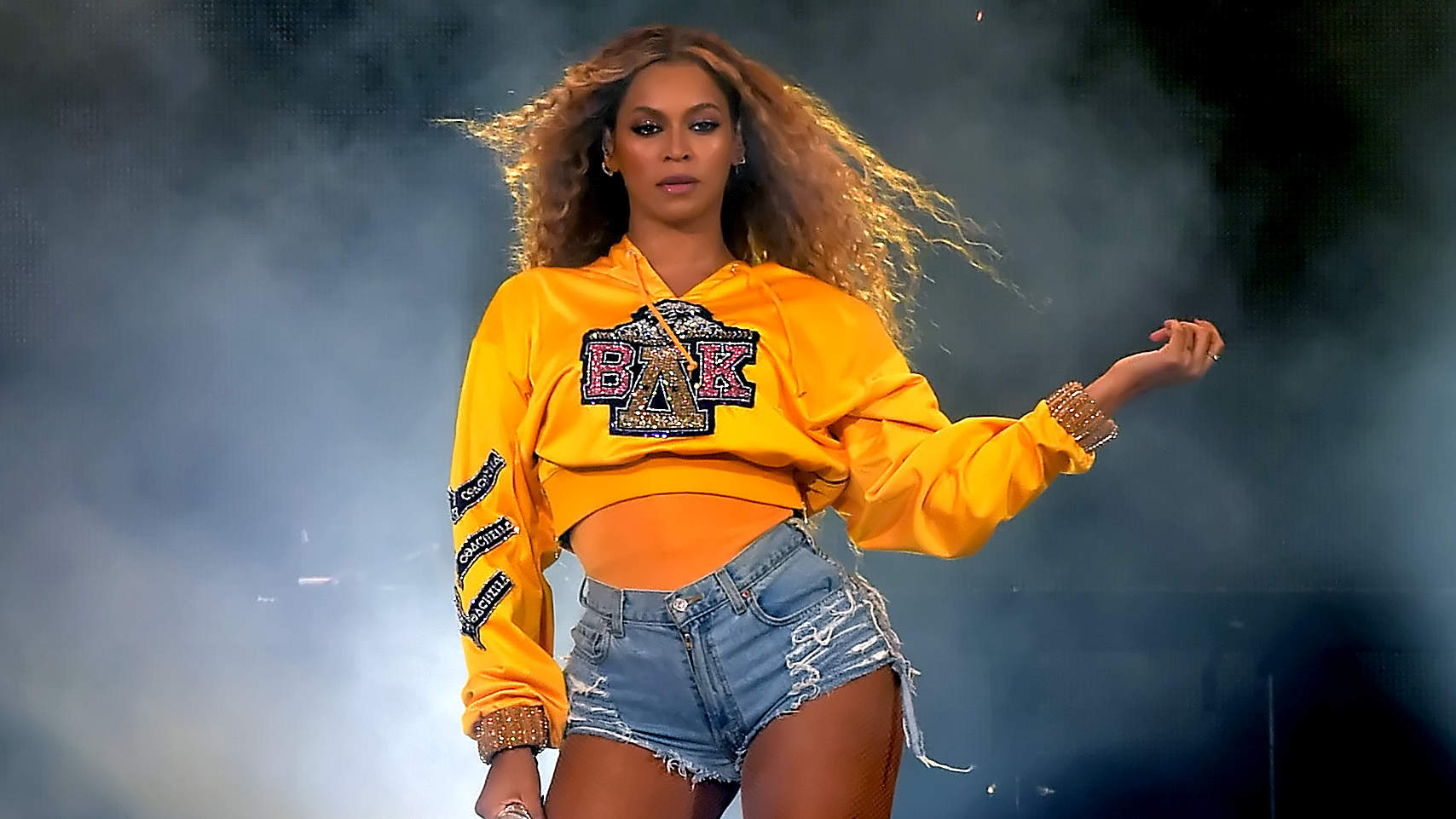 Beyoncé's Coachella Diet Involved Cutting Out Carbs, Sugar, Dairy, and Meat—but Is That Safe?