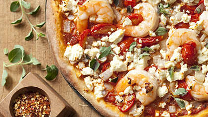 shrimp-feta-pizza