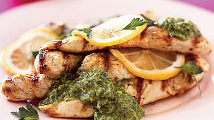 grilled-chicken-parsley-sauce
