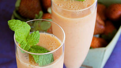 Mango-Ginger-Strawberry Smoothie