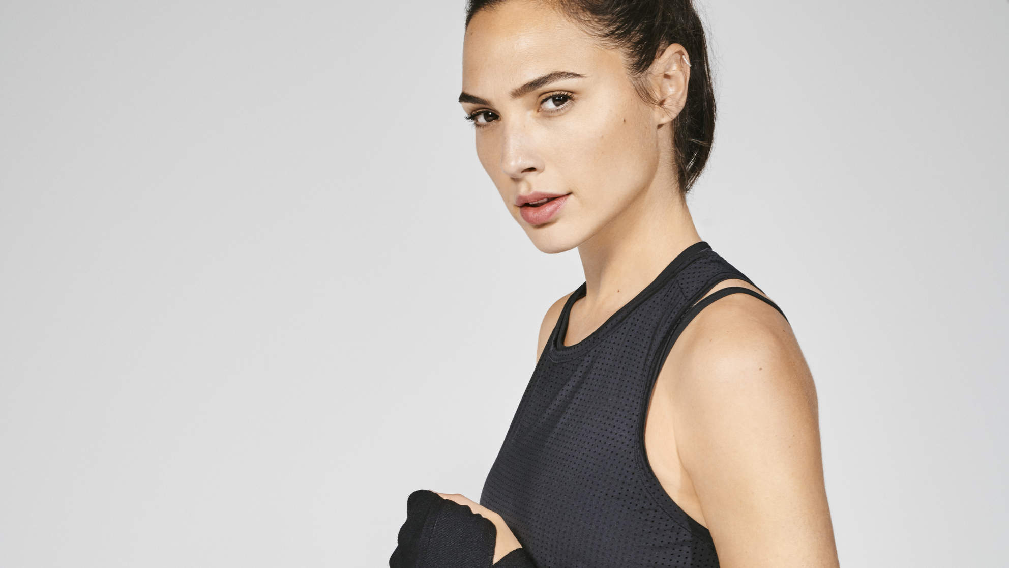Gal Gadot Hand Wraps Reebok Boxing Fitness Workout Exercise Wonder Woman