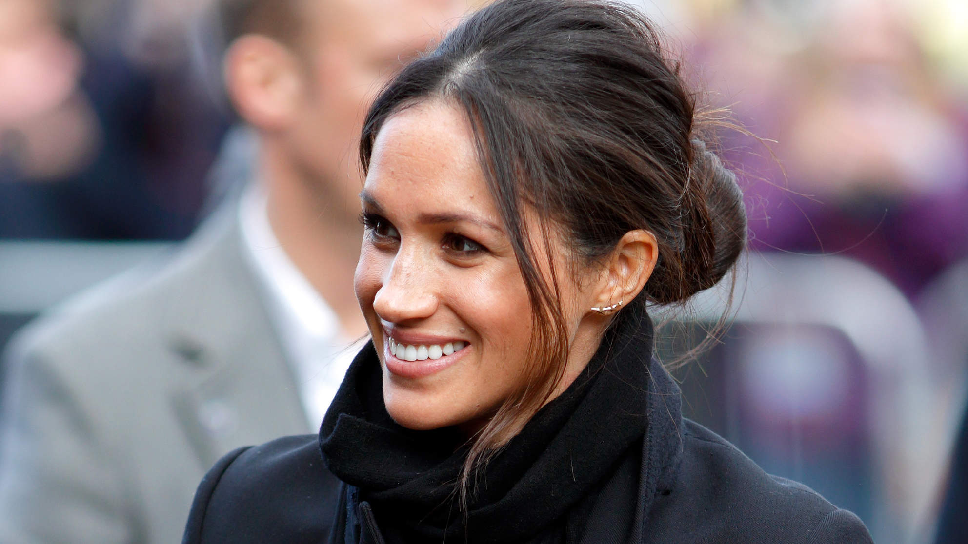 10 Messy Bun Ideas That Will Make You Feel Like Meghan Markle