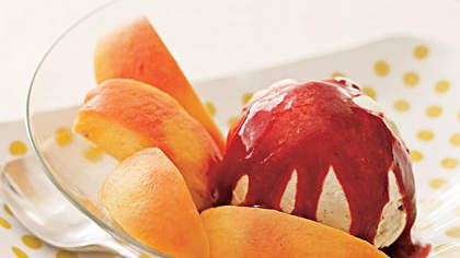 peaches-berry-sauce
