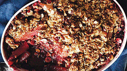 pear-sour-cherry-oat-hazelnut-topping
